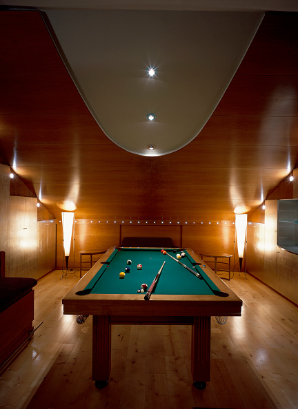 Modern「View of an illuminated games room」:写真・画像(15)[壁紙.com]