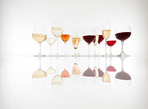 Side By Side「Various glasses with wine, prosecco and champagne」:スマホ壁紙(2)