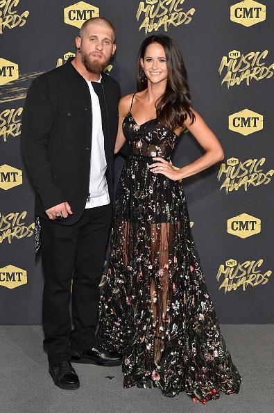 Flared Dress「2018 CMT Music Awards - Arrivals」:写真・画像(5)[壁紙.com]