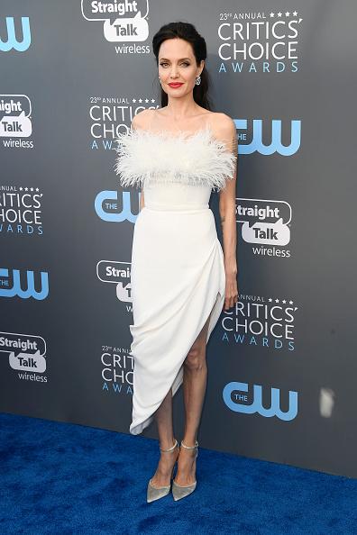 アンジェリーナ・ジョリー「The 23rd Annual Critics' Choice Awards - Arrivals」:写真・画像(18)[壁紙.com]