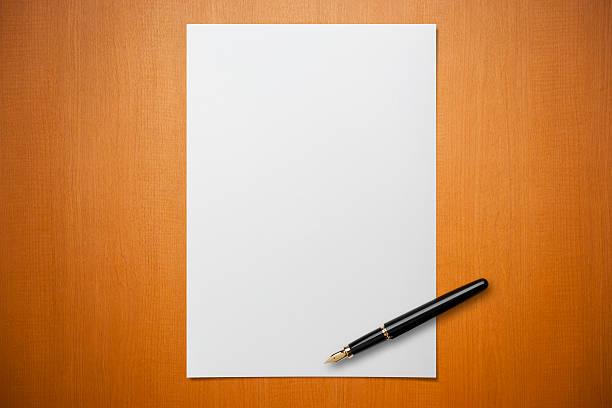 Blank paper on Desk with a pen:スマホ壁紙(壁紙.com)