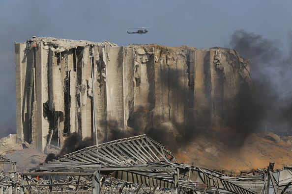 Exploding「Beirut Treats Wounded And Seeks Answers After Deadly Blast」:写真・画像(12)[壁紙.com]