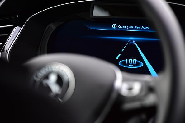 Assistance「Continental AG Tests Autonomous Car Functions On A2 Highway」:写真・画像(19)[壁紙.com]