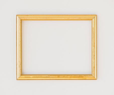 Rectangle「Close up of empty picture frame, studio shot」:スマホ壁紙(12)