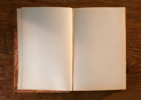Diary「Close up of open book with white, empty pages」:スマホ壁紙(7)