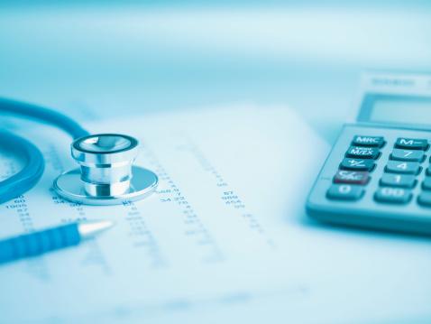 Medical Insurance「Close up of calculator, data and stethoscope」:スマホ壁紙(4)