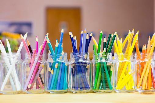 Writing「Close up of multicolor pencils organized in jars」:スマホ壁紙(5)