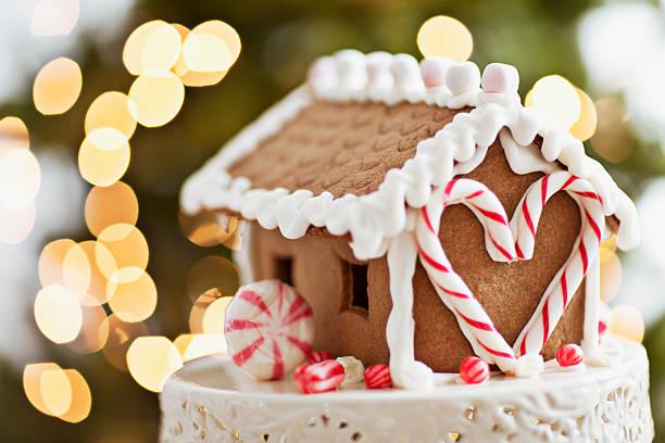 Close up of gingerbread house:スマホ壁紙(壁紙.com)