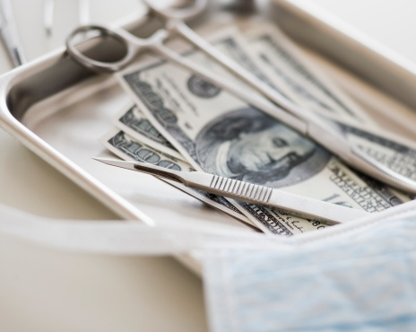 American One Hundred Dollar Bill「Close up of surgical tools and money」:スマホ壁紙(4)
