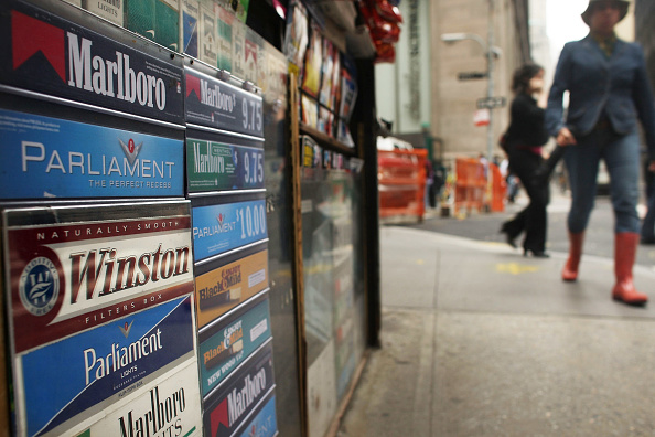 Advertisement「Tobacco Bill Nears Passage, FDA Set To Gain Regulatory Power Over Industry」:写真・画像(3)[壁紙.com]