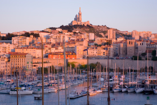 Cathedral「The Old Port at sunset, Marseille, France」:スマホ壁紙(15)