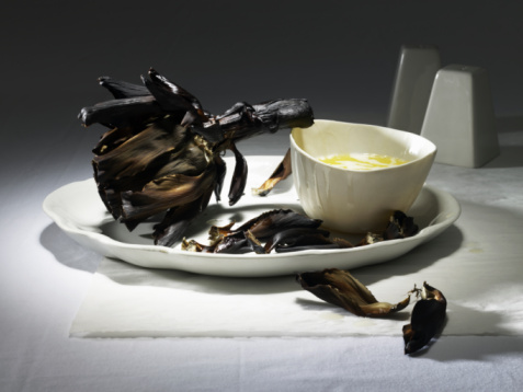Burnt「Burnt artichoke with butter on a white plate」:スマホ壁紙(7)