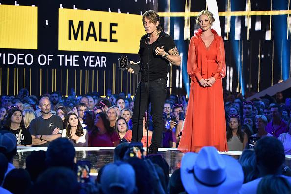 Katherine Heigl「2017 CMT Music Awards - Show」:写真・画像(10)[壁紙.com]