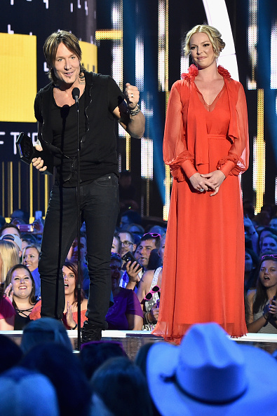 Katherine Heigl「2017 CMT Music Awards - Show」:写真・画像(1)[壁紙.com]