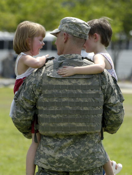 Fort Stewart「Ft. Stewart Soldiers Return Home In Time For Fourth Of July」:写真・画像(12)[壁紙.com]