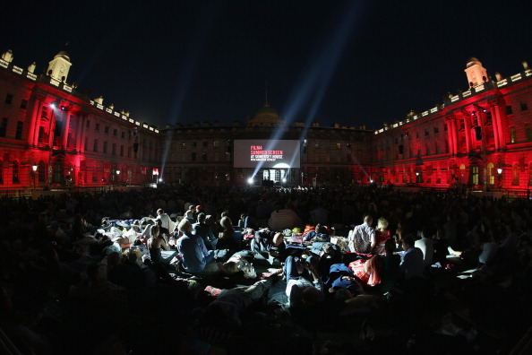Comedy Film「Sold Out Open-Air Cinema Season At Somerset House」:写真・画像(16)[壁紙.com]