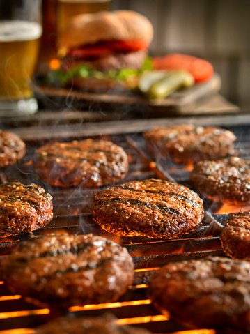Beef「Hamburgers on the BBQ with Beers」:スマホ壁紙(14)