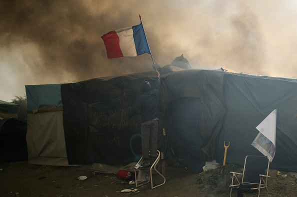 Calais「Migrants Leave The Jungle Refugee Camp In Calais」:写真・画像(17)[壁紙.com]
