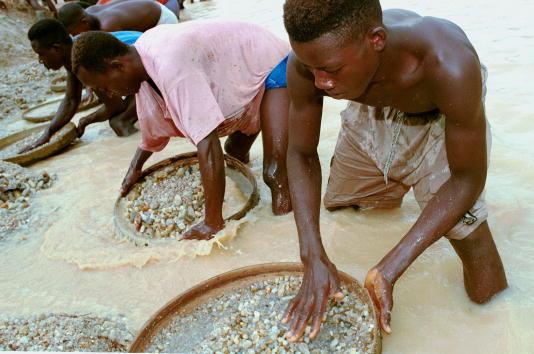 Diamond - Gemstone「Al Qaeda Network Tied To Sierra Leonian Diamond Trade」:写真・画像(4)[壁紙.com]