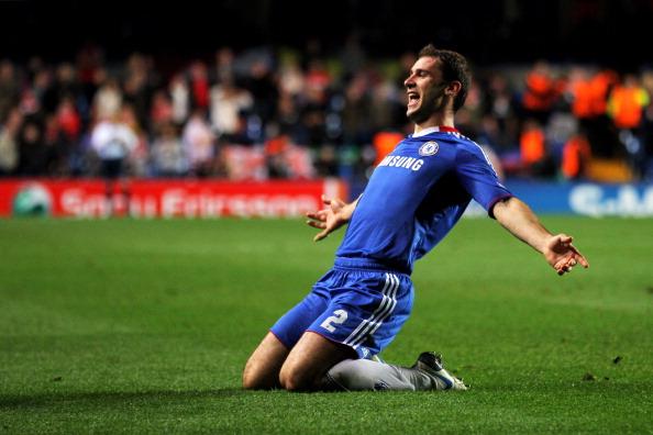 Human Arm「Chelsea v Spartak Moscow - UEFA Champions League」:写真・画像(5)[壁紙.com]