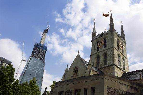 Tom Stoddart Archive「Shard And Cathedral」:写真・画像(15)[壁紙.com]