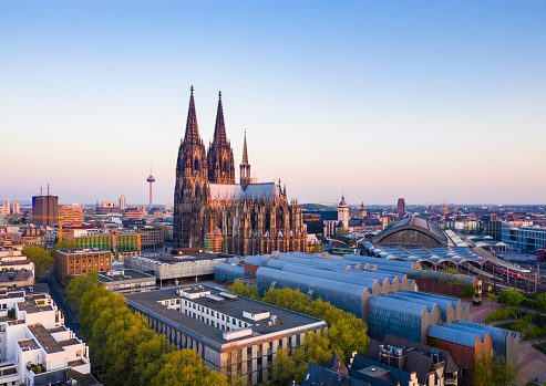 Cathedral「Cologne Cathedral at sunrise」:スマホ壁紙(1)