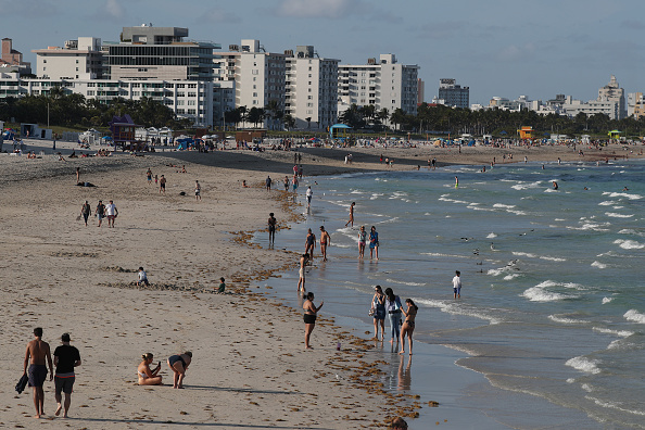Miami「Coronavirus Pandemic Causes Climate Of Anxiety And Changing Routines In America」:写真・画像(16)[壁紙.com]