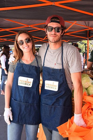 アダム・ブロディ「Celebrity Friends Volunteer At Feeding America's Summer Hunger Awareness Event At Para Los Ninos in Los Angeles」:写真・画像(14)[壁紙.com]