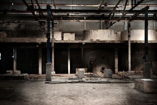 Dirty「Abandoned factory hall」:スマホ壁紙(8)