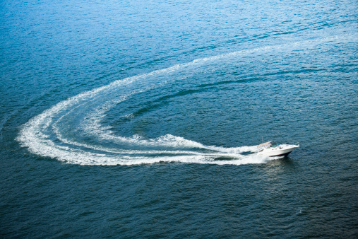 British Columbia「Boat wake on the ocean」:スマホ壁紙(19)