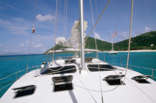 Catamaran「Deck, mast and rigging of bare boat charter catamaran, Tortola, Virgin Islands (UK), Central America & the Caribbean」:スマホ壁紙(5)