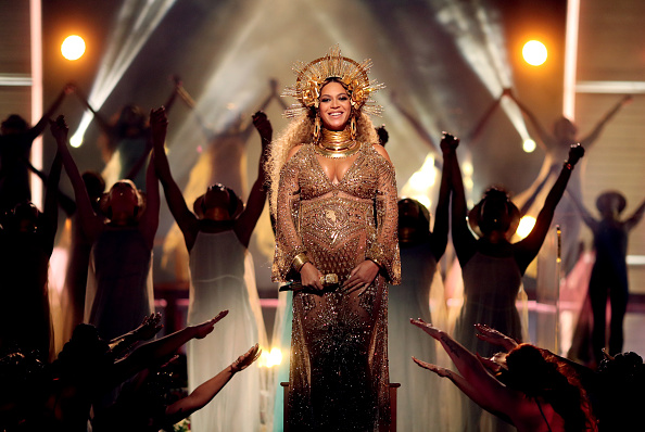 Beyoncé Knowles「The 59th GRAMMY Awards - Roaming Show」:写真・画像(18)[壁紙.com]