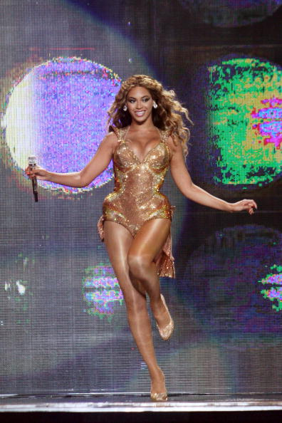 Gold Colored「Beyonce In Concert At Madison Square Garden」:写真・画像(4)[壁紙.com]