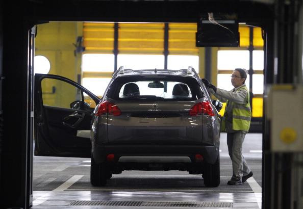 Mulhouse「Automobile Production At PSA Peugeot Citroen Plant In Mulhouse」:写真・画像(16)[壁紙.com]