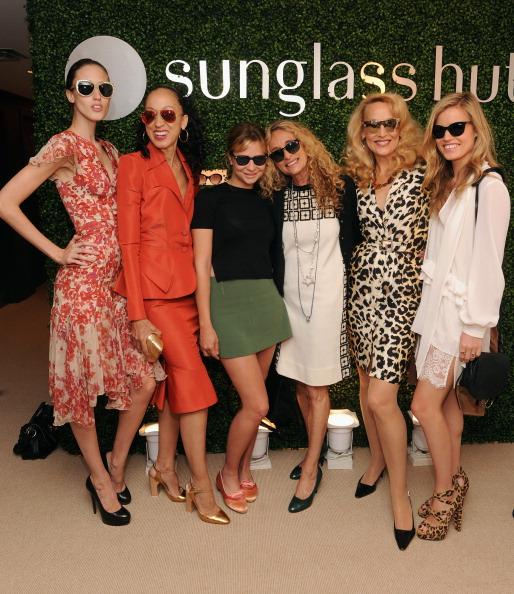 Annabelle Dexter-Jones「Sunglass Hut Celebrates Mother's Day With Georgia May Jagger & Jerry Hall」:写真・画像(14)[壁紙.com]