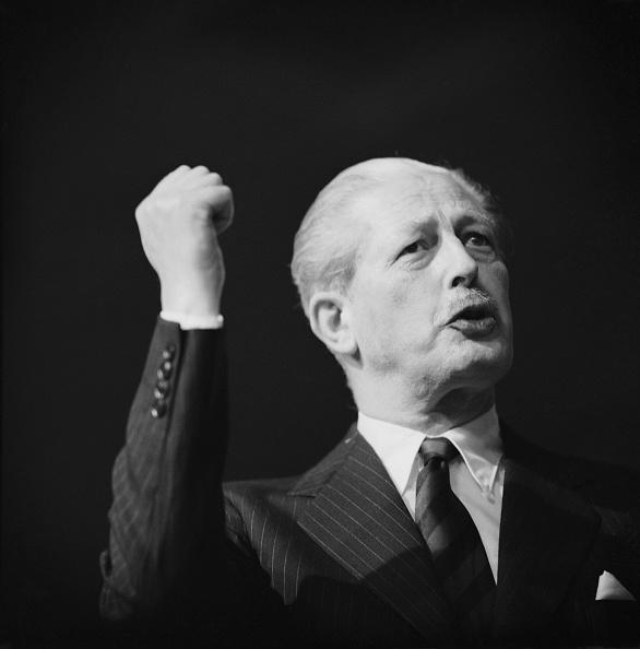 Colored Background「Harold Macmillan」:写真・画像(8)[壁紙.com]