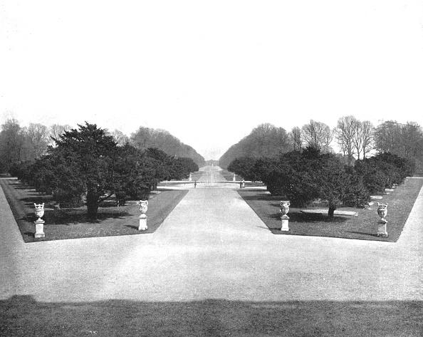 Recreational Pursuit「Hampton Court Palace Gardens」:写真・画像(1)[壁紙.com]
