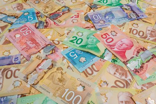 かえでの葉「Canadian dollar bills」:スマホ壁紙(9)