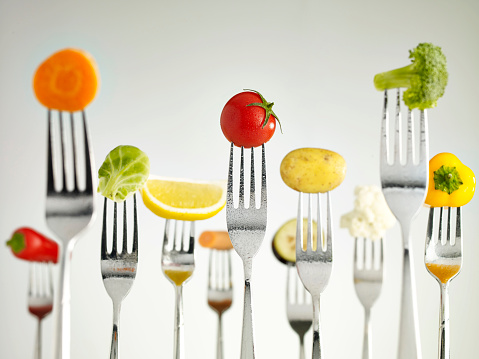 Eating Utensil「Raw vegetables On Forks」:スマホ壁紙(9)