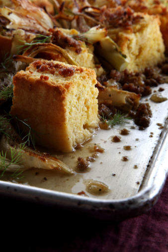 Fennel「Cornbread with Fennel and Sausage Fresh From Oven」:スマホ壁紙(1)