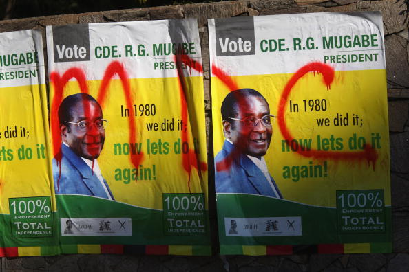 John Moore「Zimbabwaens Go To The Polls In Flawed Election」:写真・画像(6)[壁紙.com]