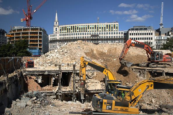 Construction Vehicle「Demolition, City of London, England, UK」:写真・画像(13)[壁紙.com]