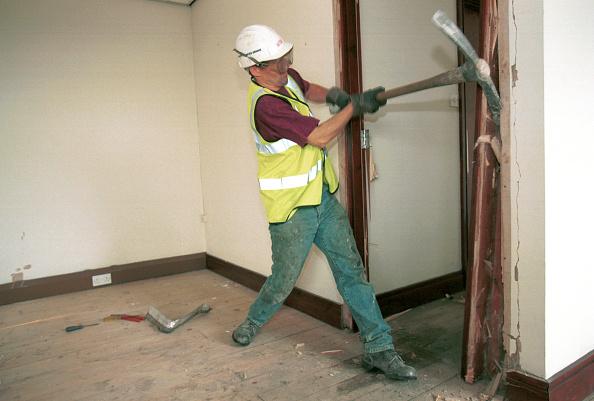 Effort「Demolition Stripping out buildings (doors and window)」:写真・画像(6)[壁紙.com]