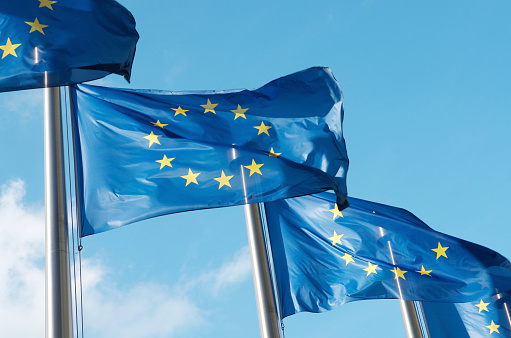 Politics「Four European Union flags waving in the wind」:スマホ壁紙(11)