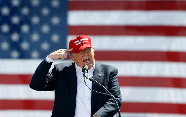 Political Rally「Republican Presidential Candidate Donald Trump Holds Rally In Phoenix」:写真・画像(19)[壁紙.com]