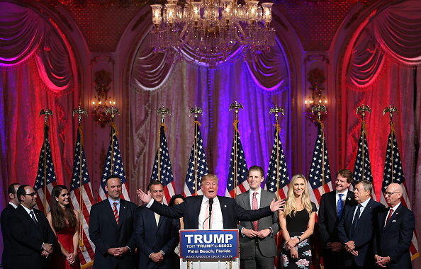 Night「GOP Presidential Candidate Donald Trump Holds Primary Night Press Conference In Florida」:写真・画像(7)[壁紙.com]