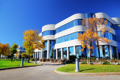 Convention Center「Colorful Corporate Building at Fall」:スマホ壁紙(19)
