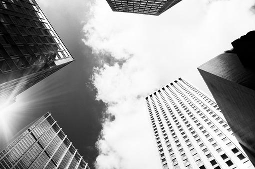 Postmodern「Skyscrapers,NYC,Dramatic Sky.Black And White」:スマホ壁紙(2)