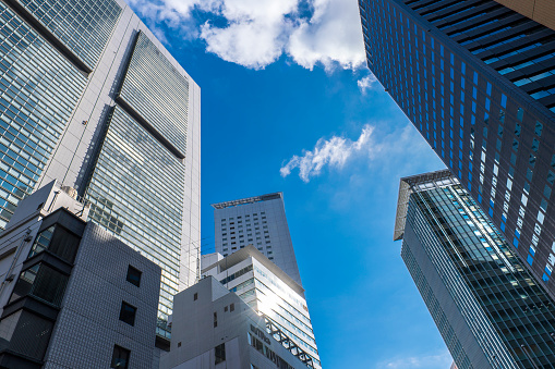 Tokyo - Japan「Skyscrapers under blue sky, Tokyo, Japan」:スマホ壁紙(11)