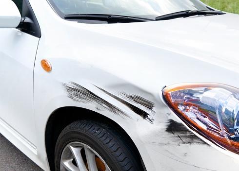 Destruction「Hit and Run Crashed Car」:スマホ壁紙(1)